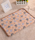 3-Sizes-Cute-Warm-Pet-Bed-Mat-Cover-Towel-Handcrafted-Cat-Dog-Fleece-Soft-Blanket-for-2.jpg